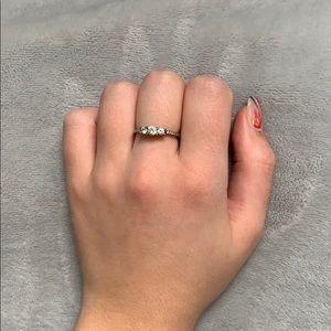 Size 7 Tiara Sparkle Ring